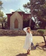 Катя Осадчая прогулялась по Испании в платье за 500 евро
