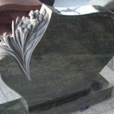 Достоинства надгробий из мрамора