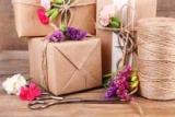 Что подарить на День учителя: 10 оригинальных идей подарков для педагогов