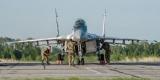 Тренировка украинских пилотов: в небо подняли десяток истребителей