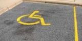 Президент повысил штрафы за парковку на местах для инвалидов