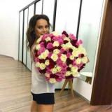 Лилия Подкопаева похвасталась стильным платьем-вышиванкой