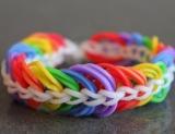 Как плести браслеты из резинок: руководство для hand-made тенденция